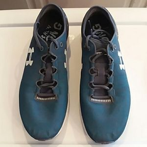 Under Armour bandit 3 running shoes size 12